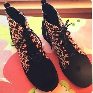 H2K Leopard Print Ankle Boots